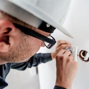 Organización de las Intervenciones Necesarias para el Mantenimiento de las Instalaciones Eléctricas en el Entorno de Edificios y con Fines Especiales