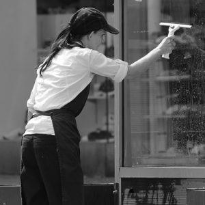 PRL en Empresas de Limpieza y Primeros Auxilios
